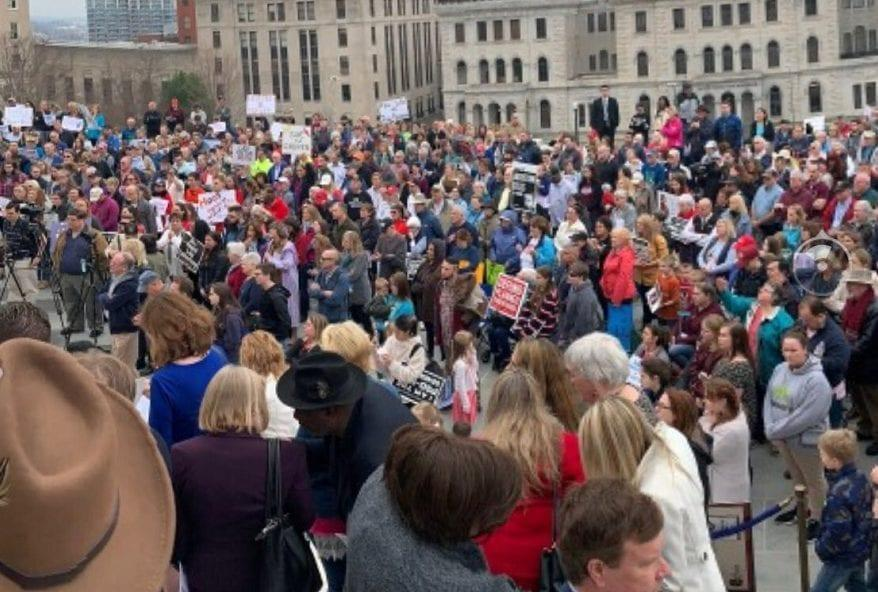 Over 1,000 Pro-Life People Rally Against Infanticide at Virginia State Capitol
