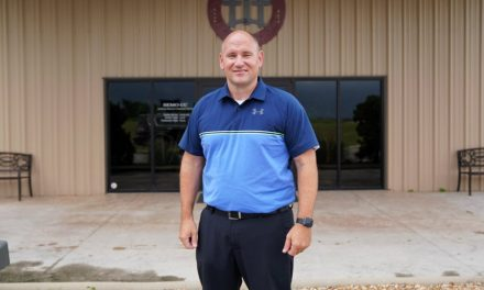 'They Need Hope': Small-Town Pastor and Teacher Devotes Life to Serving Community