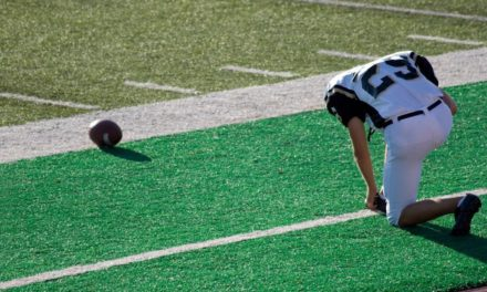 Atheist Group Demands Football Coach Stop Praying with Players, Says It's 'Unconstitutional'