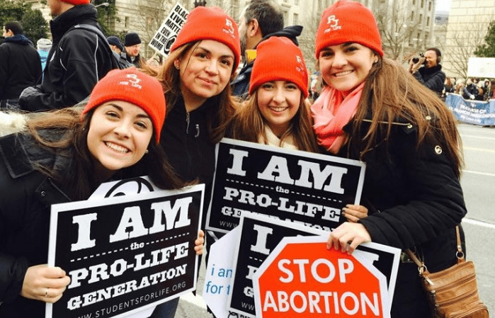 Poll Shows Most Americans Don't Think Abortion is a Constitutional Right, Want Abortion Limits