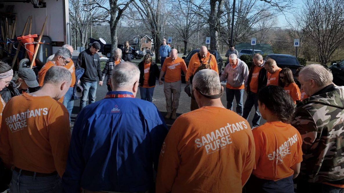 Billy Graham Rapid Response, Samarticans Purse Sharing Hope with Tennessee Tornado Survivors