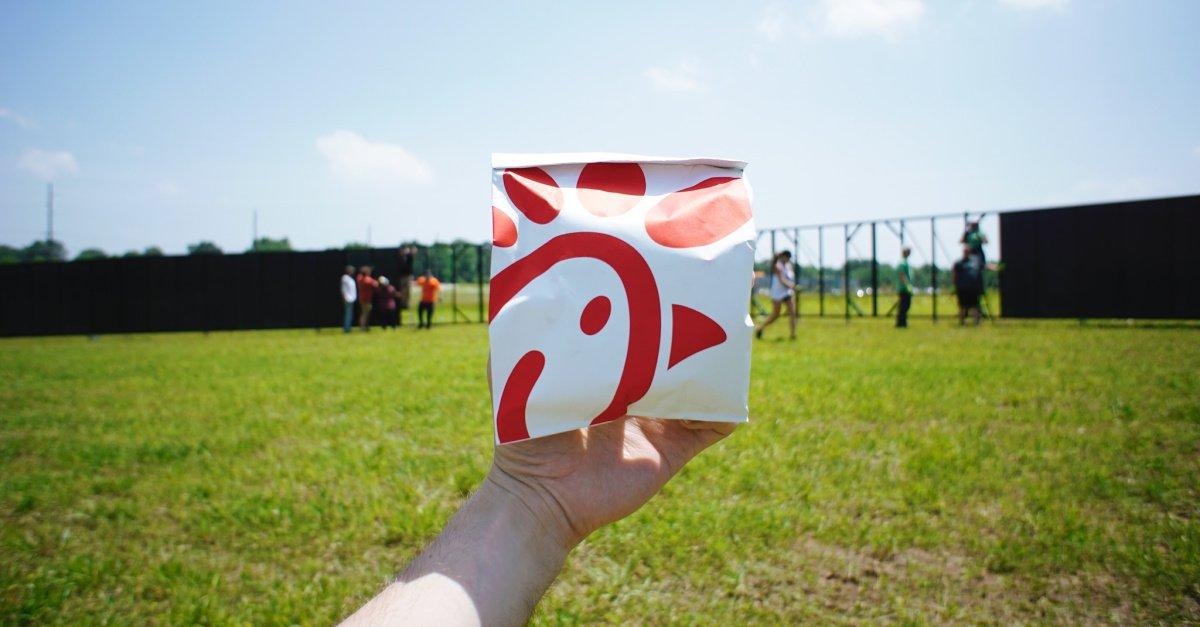 Chick-fil-A Beats Starbucks as Favorite Restaurant among Teens, Survey Shows