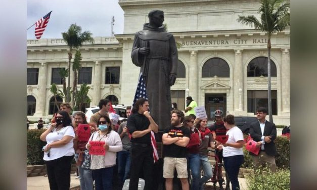 Catholic youths heroically stop California mob from tearing down saint's statue