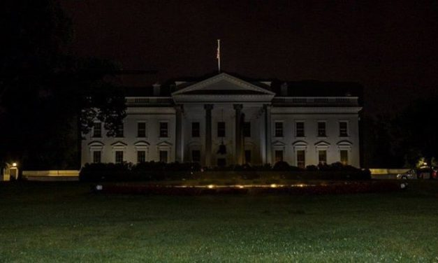The Democrats, and Leftist Media are Liars Like their Father: Fake Photo Circulated Of 'Dark' White House Is Actually From 2015