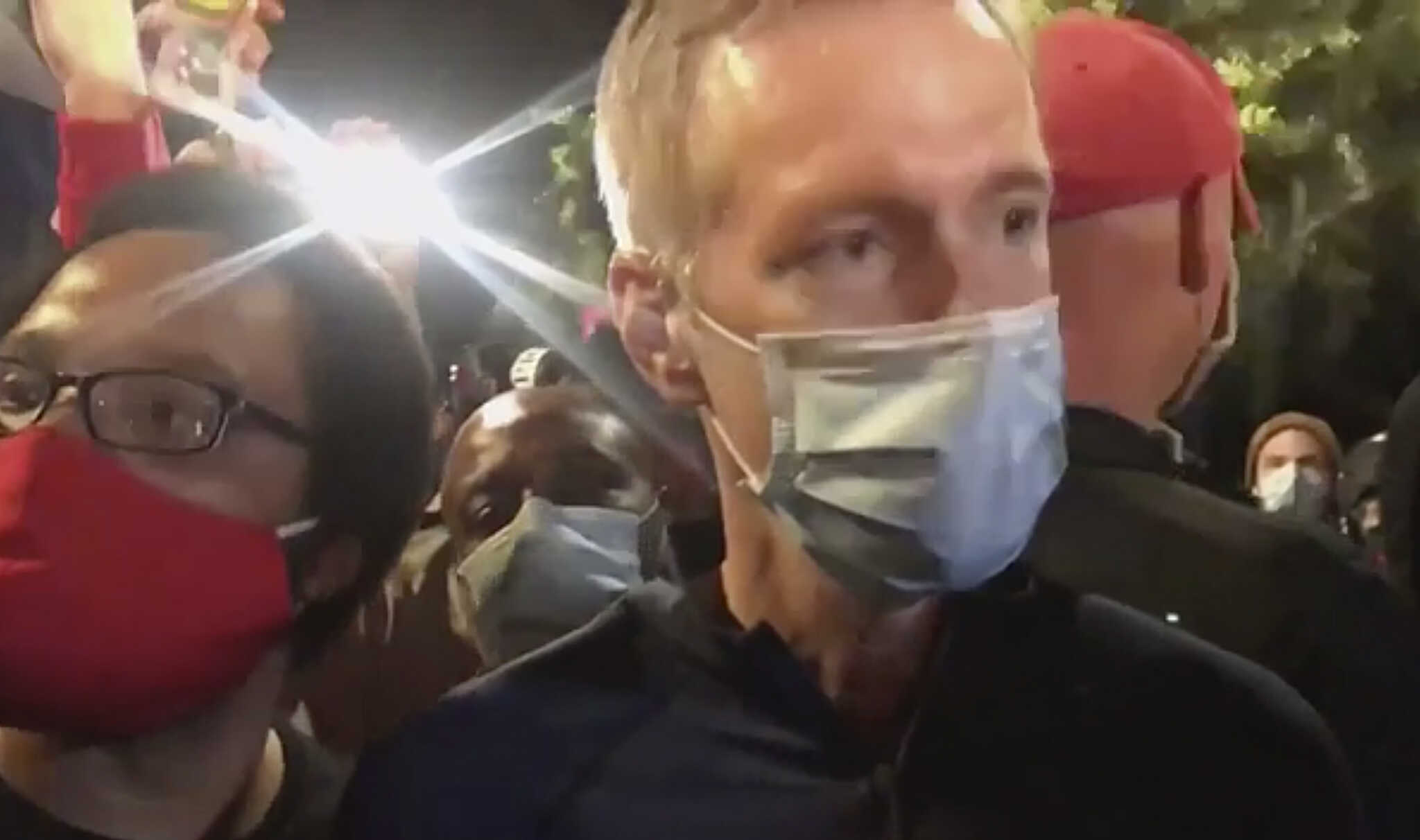 'He's Lying': Eyewitness Calls Out Portland Mayor Over Fabricated Tear Gas Incident