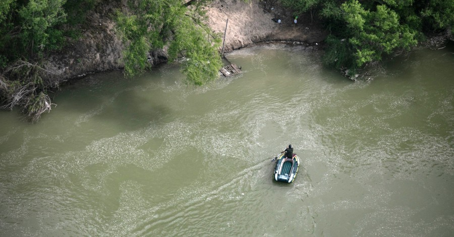 Texas Rangers, Border Patrol Rescue 6-Month-Old Who Was Dumped in a River by Smugglers