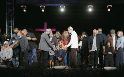 Apostasy at Saddleback Church as they Ordain Three Women as Pastors despite God's Commands